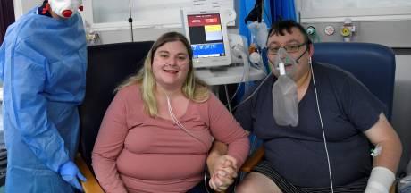 Elizabeth et Simon, gravement touchés par la Covid-19, se sont mariés à l'hôpital