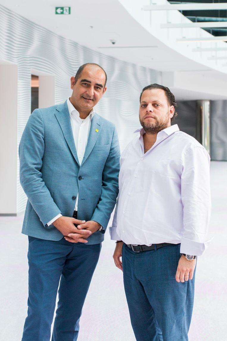 David Zisser (rechts), oprichter en eigenaar Omnam Groep kreeg vastgoed via zijn vader mee. Özgen Saginc Hotelmanager opent na 25 jaar NH Centrum zijn tweede Amsterdamse hotel Beeld Jesper Boot