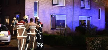 Woningbrand in Den Ham, bewoner naar ziekenhuis