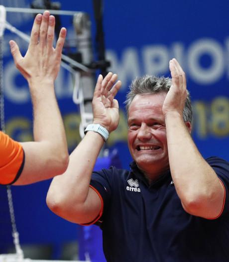Volleyballers in Milaan tegen Italië, Finland en Rusland