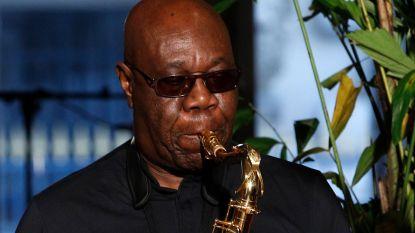 Afrikaanse saxofonist (86) die dé 'Mama Appelsap' maakte overleden aan coronavirus
