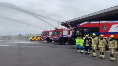 Tientallen kazernes houden indrukwekkend eerbetoon voor overleden brandweerlui