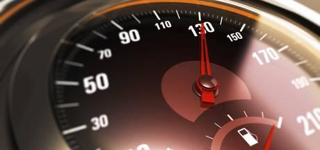 Motorrijder scheurt met 140 door 30 km-zone in Duiven