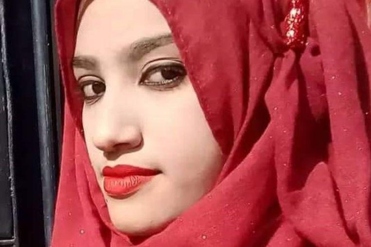 Nusrat Jahan Rafi, 19. Hier op een foto vrijgegeven door haar familie