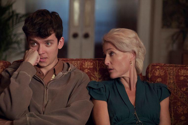 Asa Butterfield en Gillian Anderson spelen moeder en zoon in de nieuwe Netflix-serie 'Sex Education'.
