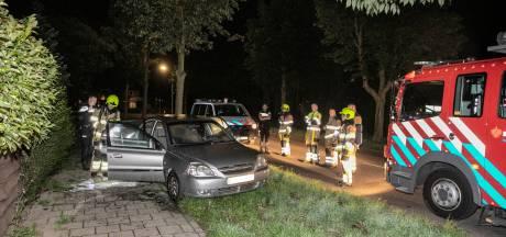 Politie onderzoekt in brand gestoken auto die was achtergelaten in Nijmegen