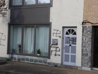 61-jarige man uit Denderleeuw bekent belaging en plaatsen van hakenkruisen op gevels in Iddergem