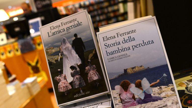 Boeken in de etalage van een boekhandel in Rome, 4 oktober 2004. Beeld afp