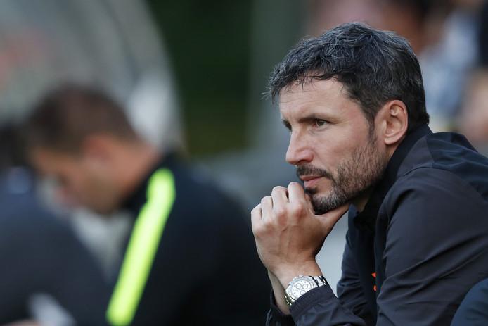 Mark van Bommel zag PSV winnen van Aris Saloniki: 3-0.