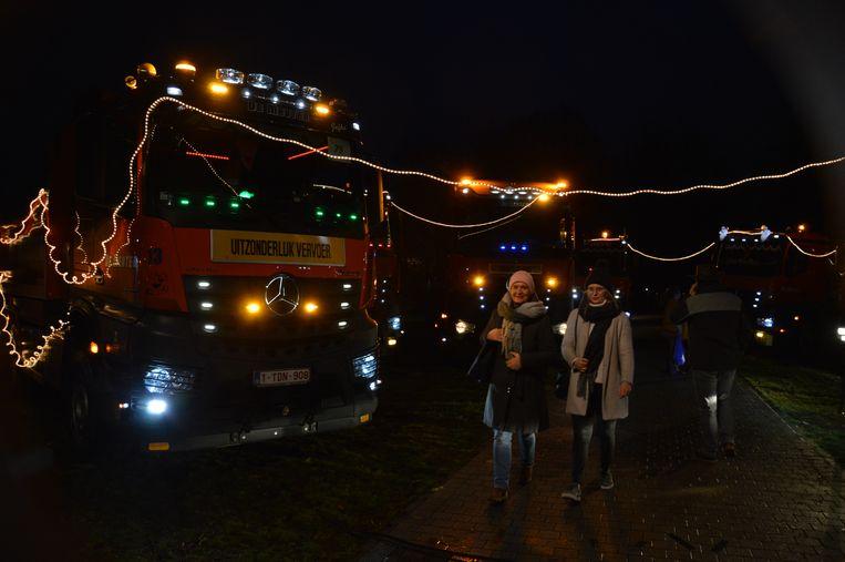 Er waren heel wat versierde en verlichte trucks te bewonderen op de rechteroever.