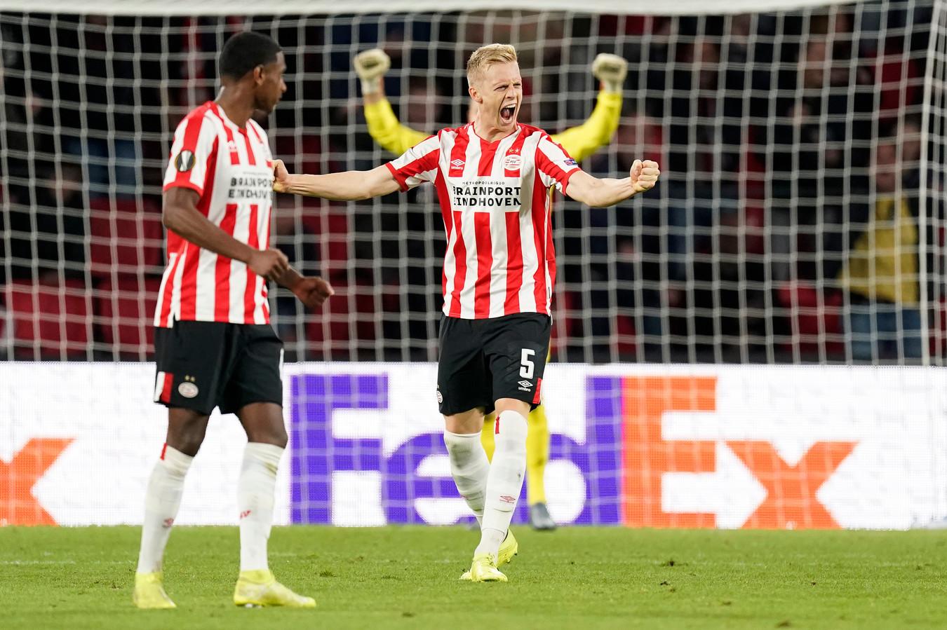 Timo Baumgartl kende een puike start bij PSV en juicht hier na een goal tegen Sporting Portugal.