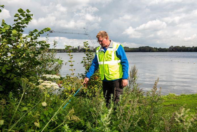 Erick Schoone, hier bij de Zegerplas in Alphen, is vrijwilliger bij het Veteranen Search Team.