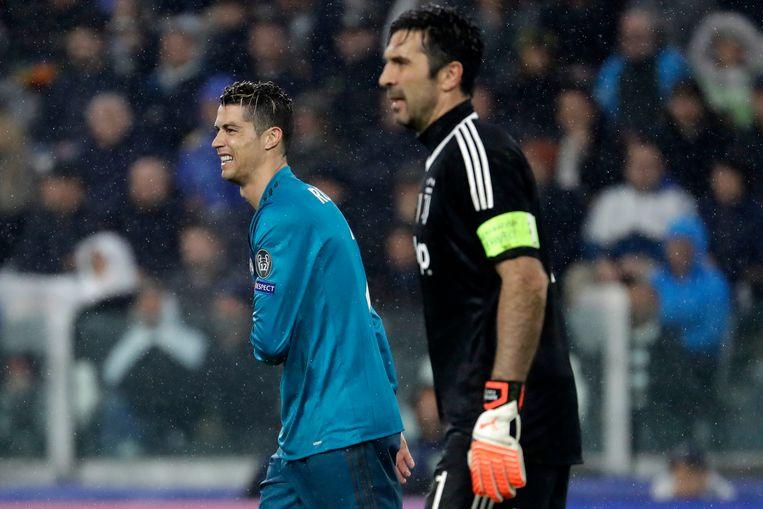 Gianluigi Buffon krijgt zo stilaan nachtmerries van Cristiano Ronaldo.