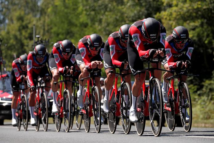 BMC Racing Team was de sterkste in de teamtijdrit van Cholet naar Cholet.