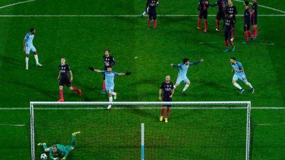 De krul van Messi was fenomenaal, maar deze tien weergaloze vrije trappen  moeten zeker niet onderdoen