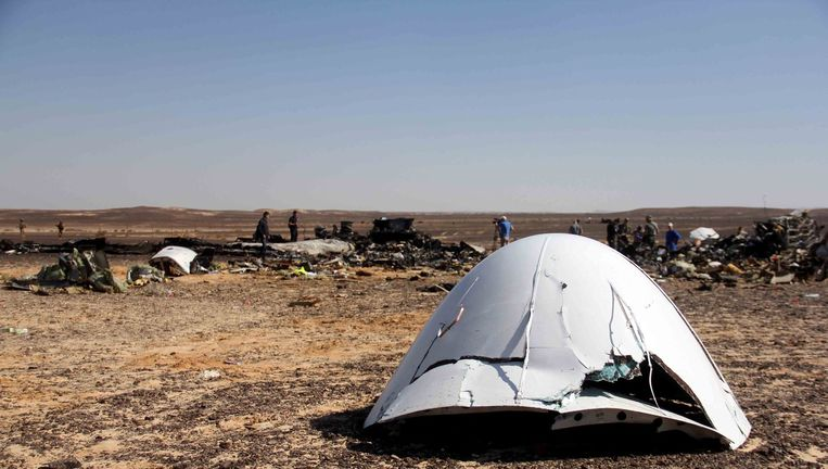 Een wrakstuk van het neergestorte vliegtuig. Beeld AP