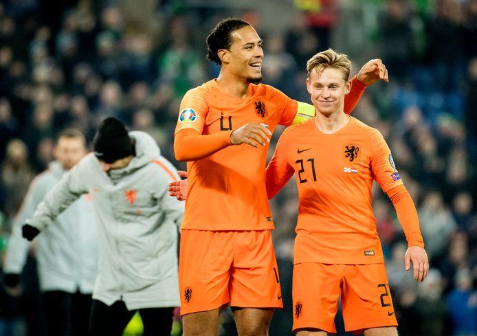 Virgil van Dijk en Frenkie de Jong behoren volgens game-ontwikkelaar EA Sports tot de 100 beste spelers ter wereld. Dat blijkt uit de top 100 spelers in FIFA 21 die EA heeft vrijgegeven.