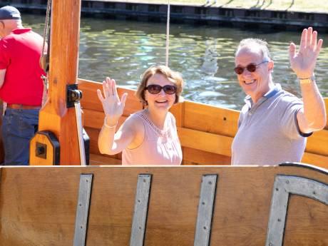 Eerste afvaart Vechtezomp van Gramsbergen naar het Duitse Laar