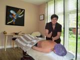 Ingeborg Bouwman brengt met haar massages meer dan ontspanning