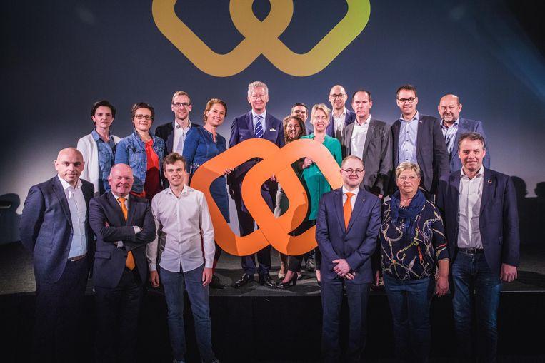 Een hoop CD&V-kandidaten, maar de Gentse hoop rust bij Stijn De Roo, bovenaan de tweede van rechts