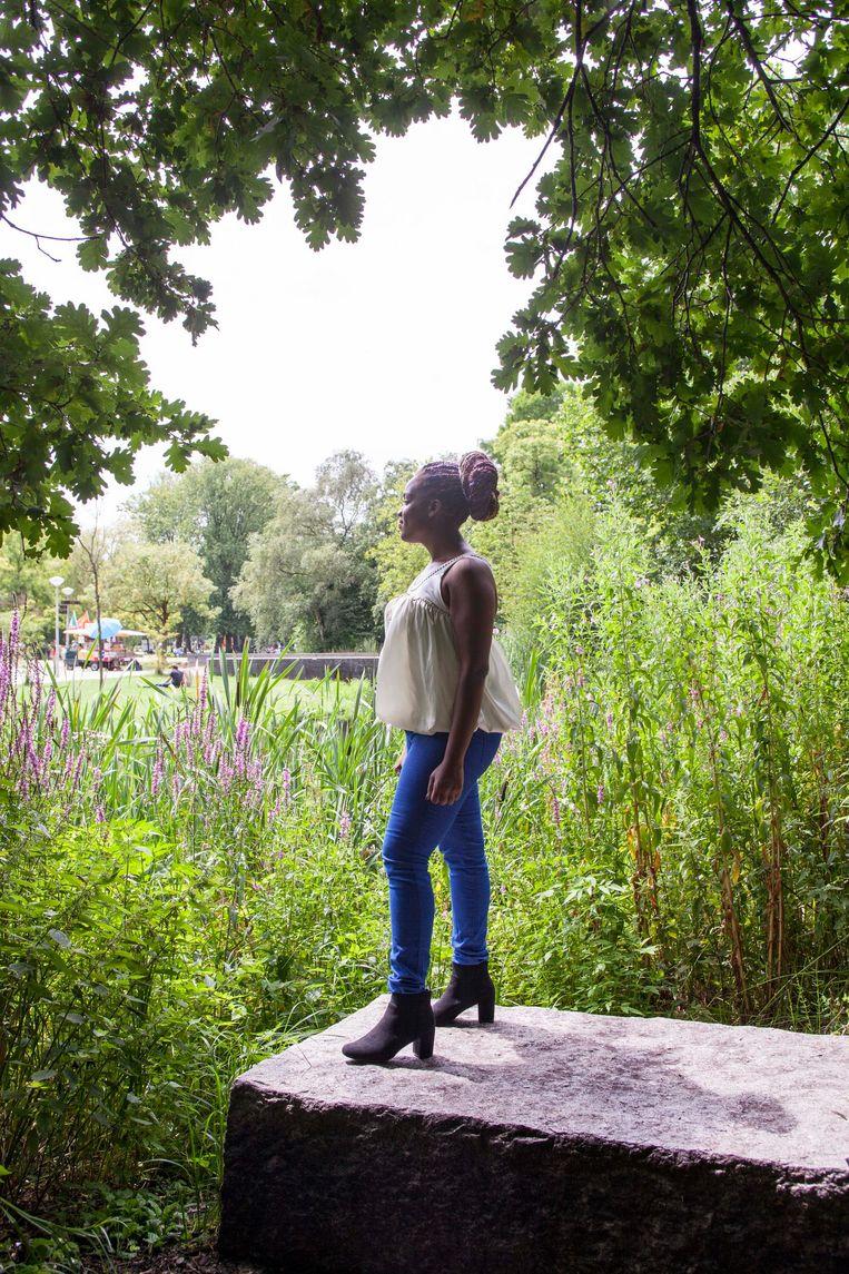 Octavia in het Vondelpark. Beeld Stefanie Gratz
