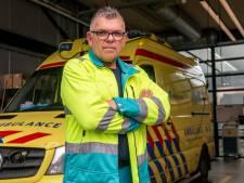 Hans (54) uit Apeldoorn is ambulancechauffeur: 'Supermarkten vermijd ik zoveel mogelijk'