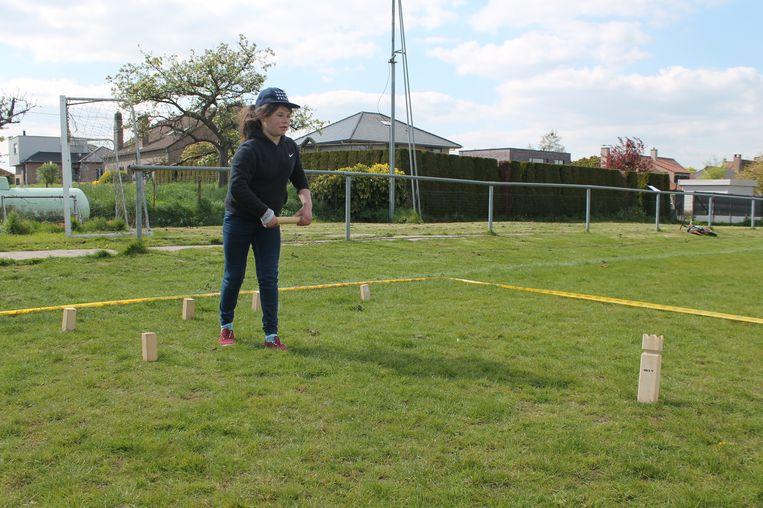 Vzw Roosdaalse Sportraad organiseert, in samenwerking met de gemeente Roosdaal en de lokale volleybalclubs, de derde editie van het grasvolleybal- en kubbtoernooi op zaterdag 8 juni.