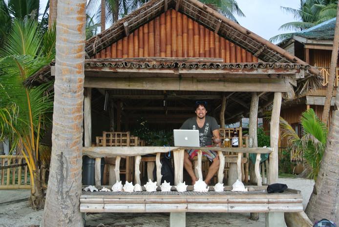 Bas Urlings (33), eigenaar van verschillende webwinkels. 'Op één staat gezondheid, al het andere valt in het niet. Ik spreek daarom drie keer in de week af met een personal trainer en eet zo gezond mogelijk.'