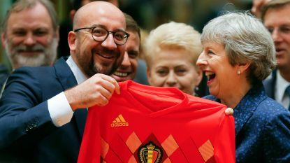 Premier Michel geeft Theresa May truitje van Hazard, Ierse premier supportert écht voor Rode Duivels