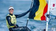 Emma Plasschaert zeilt naar brons in WB-manche Enoshima, waar in 2020 ook het olympisch nummer doorgaat