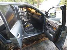 Auto brandt uit in Eindhoven, politie vermoedt brandstichting