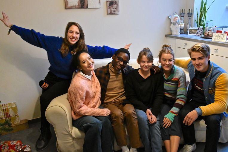 De Warmste Week - Nore bij de cast van #LikeMe en Michèle Cuvelier