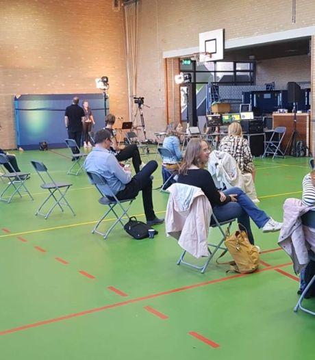 In Apeldoorn kunnen bijna-brugpiepers vanaf de bank hun nieuwe school uitkiezen