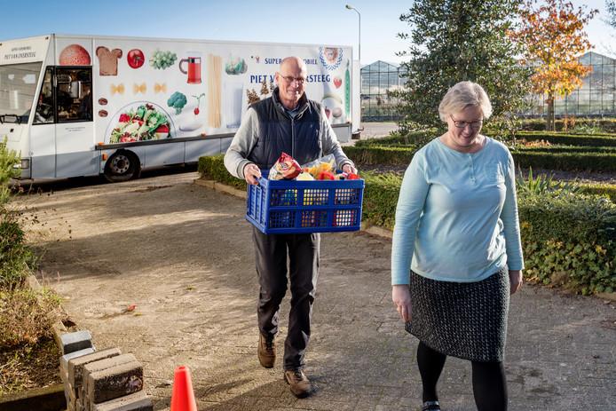 Piet van Oversteeg gaat na vijftig jaar met pensioen als SRV-man.