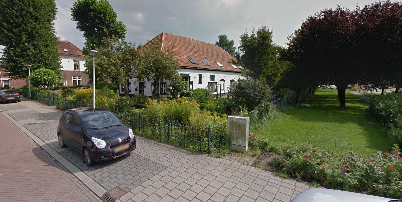 De voormalige apotheek aan de Dorpsstraat wordt een gezinshuis voor kinderen die tijdelijk niet thuis kunnen wonen.