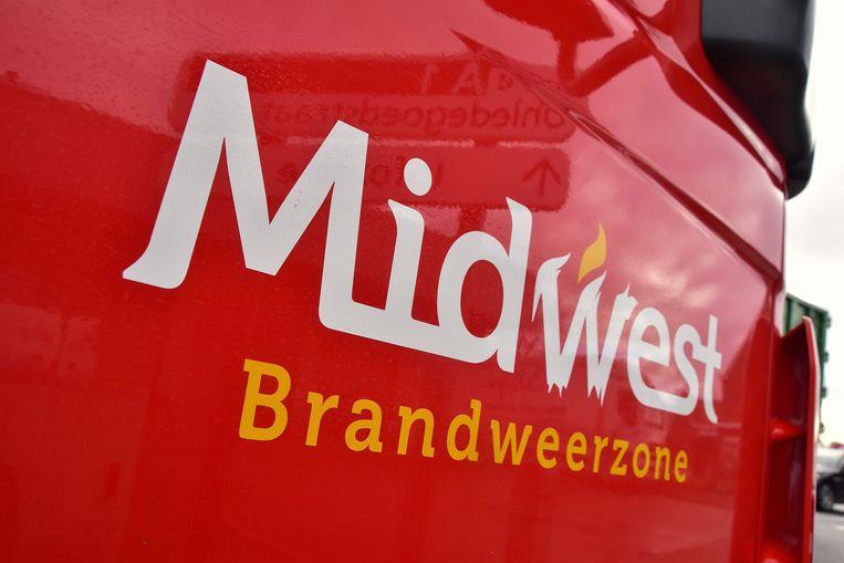De brandweer van de hulpverleningszone Midwest snelde ter plaatse om zich een toegang tot de woning te forceren.