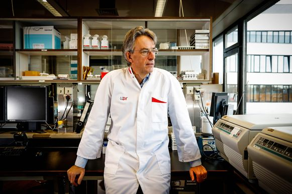 Herman Goossens , microbioloog voor de Universiteit van Antwerpen.