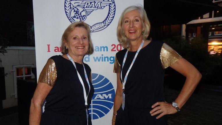 Reünie-organisatoren en oud-PanAmmers Marijke van Bodengraven en Nina Driessen-Van der Ree: 'Je trok je uniform aan en dan ging je gelijk rechtop lopen' Beeld Schuim