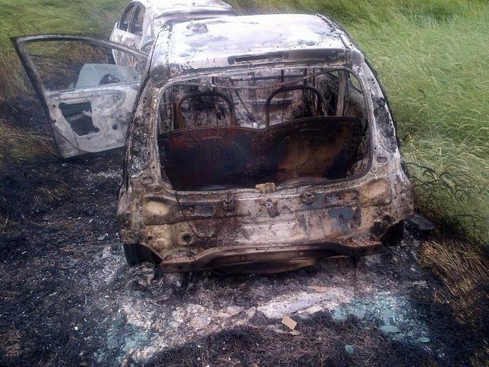 De gestolen auto's werden uitgebrand teruggevonden.