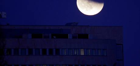 Totale maansverduistering zondagnacht in Nederland