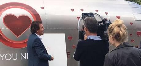 Robert ten Brink 'ontvoerd' naar eigen love caravan