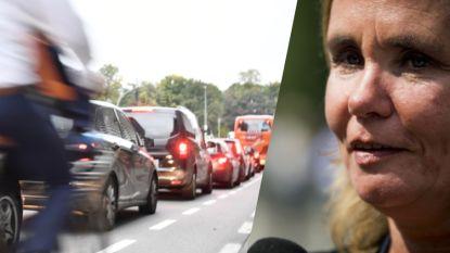 Homans voert kilometerheffing voor auto's af