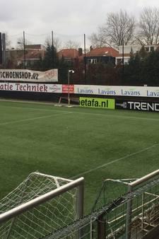 Helmond Sport traint binnen vanwege storm: 'Reclameborden vlogen in het rond'