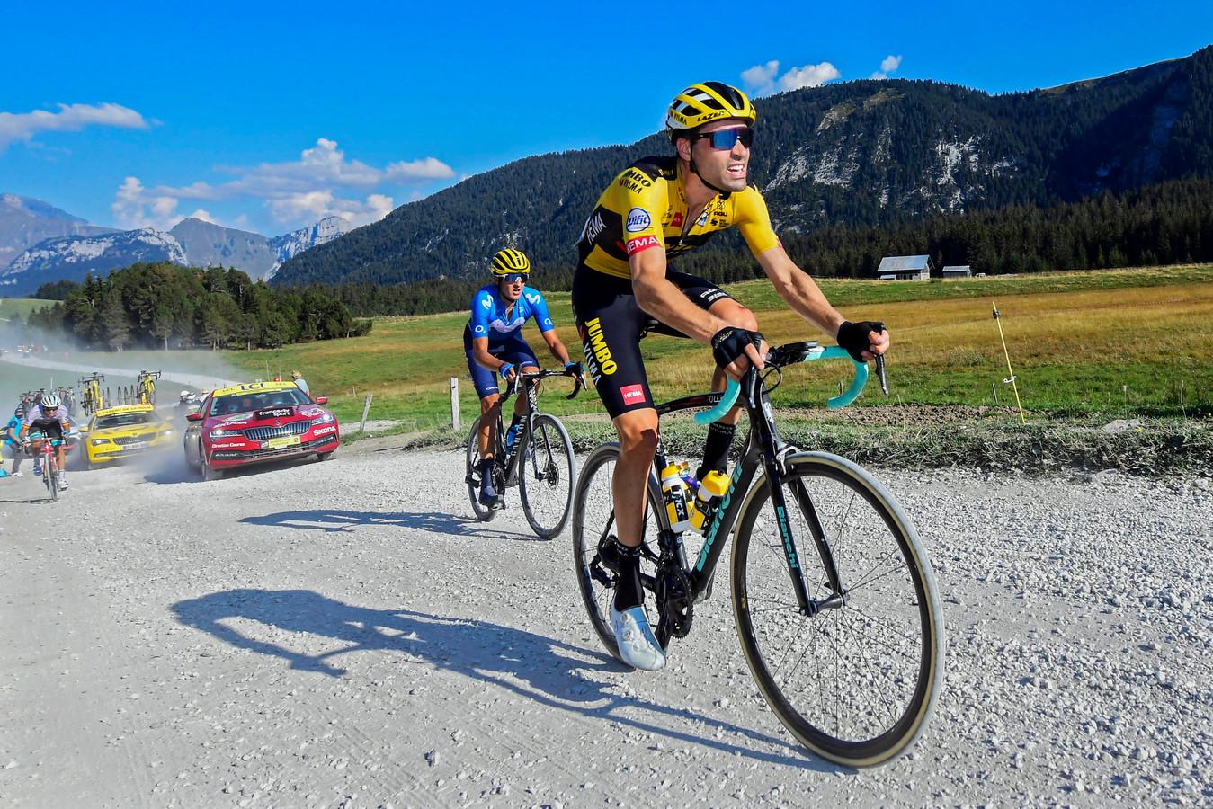 Tom Dumoulin op het grindpad tijdens de etappe van gisteren.