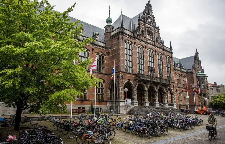 Fietsen voor de universiteit in Groningen. Beeld anp