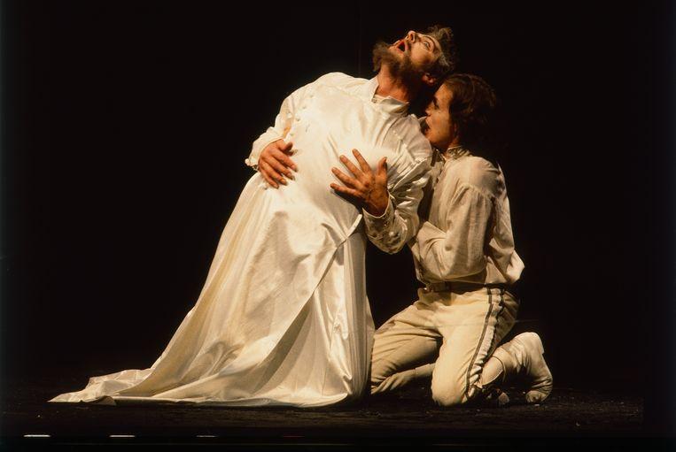 Sterfscène Boris Godoenov, Nederlandse Opera 1987 Beeld Eddy Posthuma de Boer