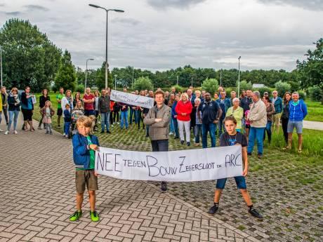 Alphenaren willen 'hap-snap-woningbeleid' van gemeente voorkomen: 'Wij zitten met gebakken peren'
