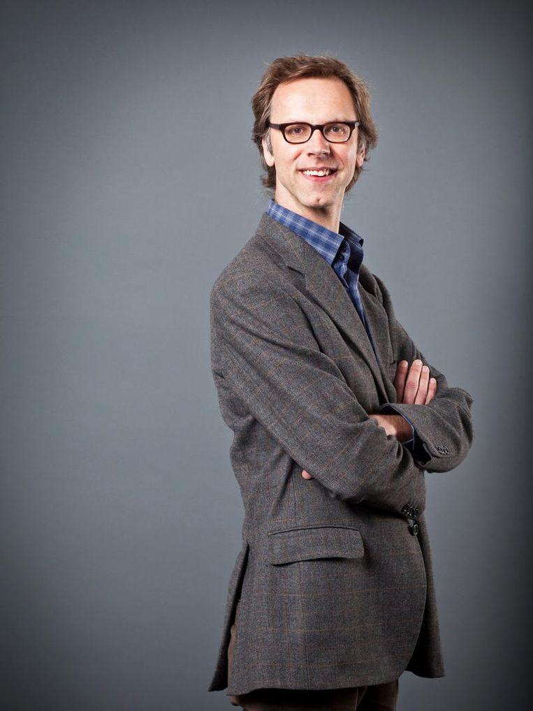 Olav Velthuis is hoogleraar sociologie aan de UvA. Beeld