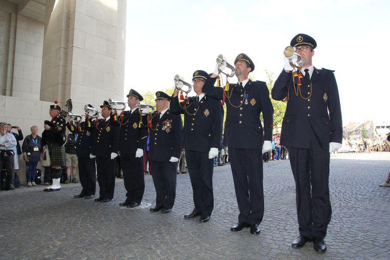 De klaroenblazers blazen nog elke dag om 20 uur stipt de Last Post onder de Menenpoort. Op 9 juli zal dat voor de 30.000ste keer zijn.