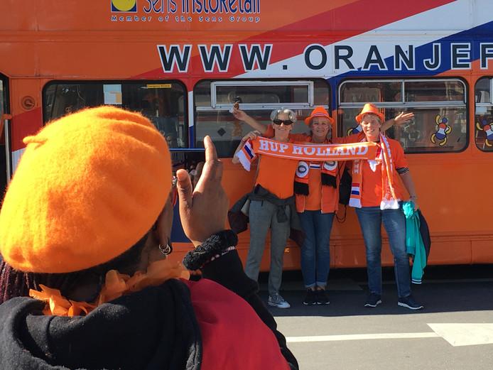 Oranjefans in Le Havre bij de fanzone.